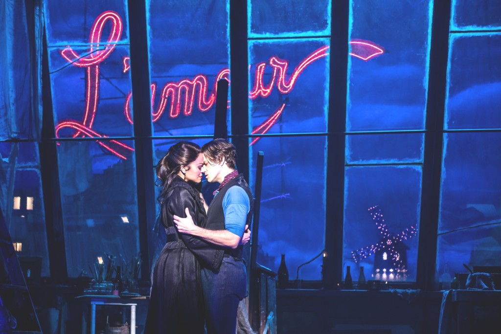 12 Broadway Moulin rouge