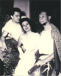 Photo des interprètes principaux lors de la représentation de Phi-Phi